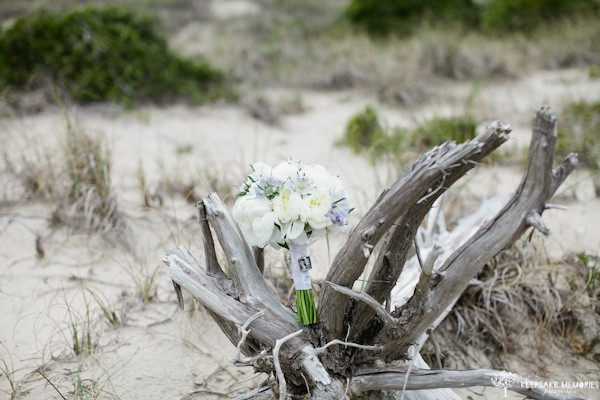 bouquet on drift wood nc