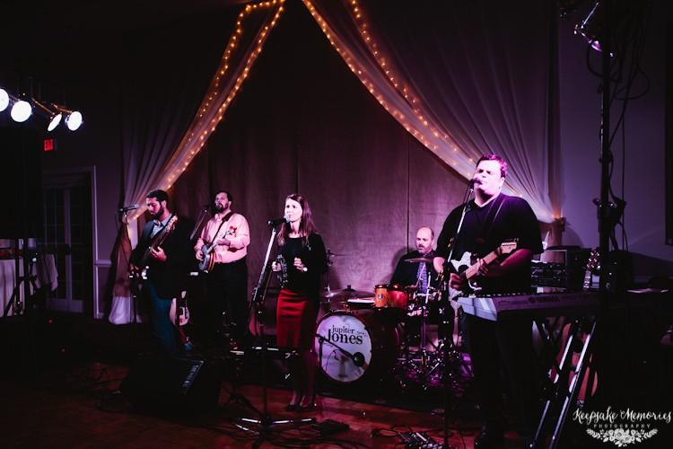 jacksonville-nc-country-club-wedding-photos-15.jpg