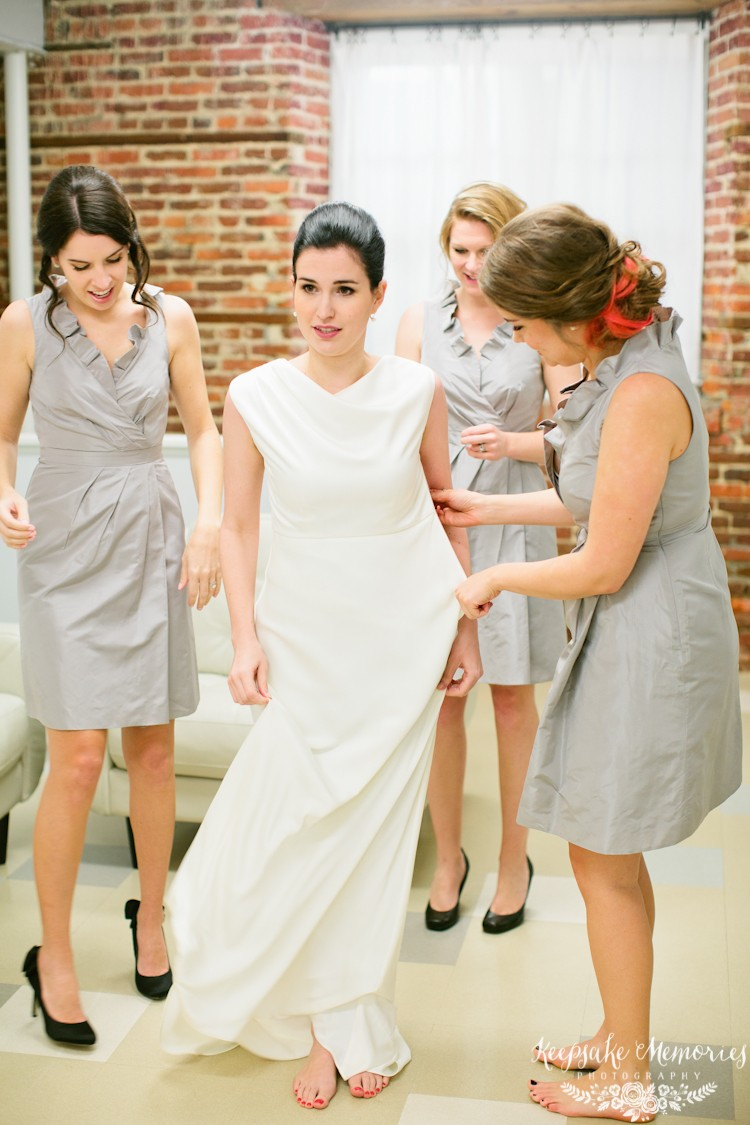 winter-st-thomas-preservation-hall-wilmington-nc-wedding-photographers.jpg