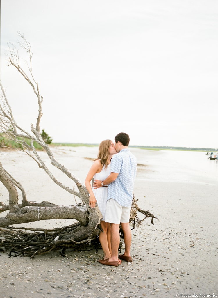 figure-eight-island-north-carolina-engagements-11-min.jpg