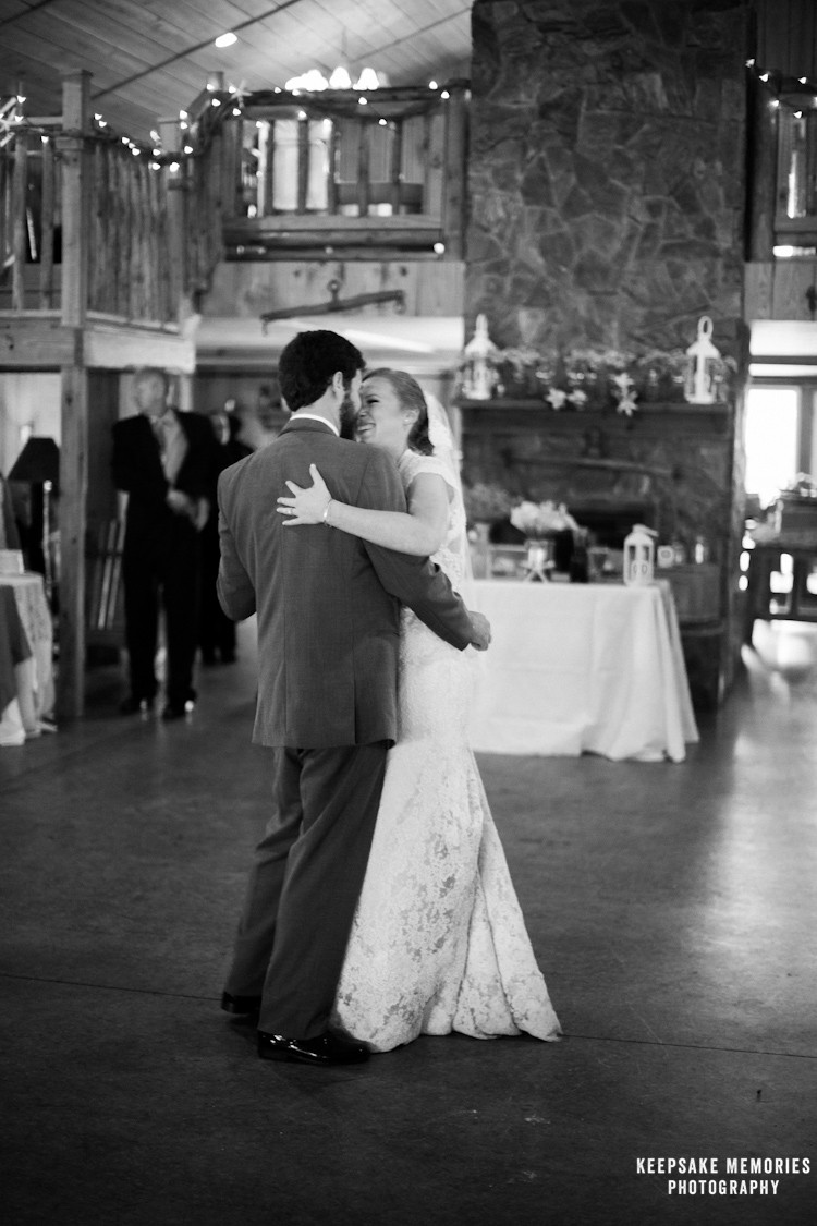 the-barn-at-woodlake-meadow-nc-wedding-photographers-13.jpg