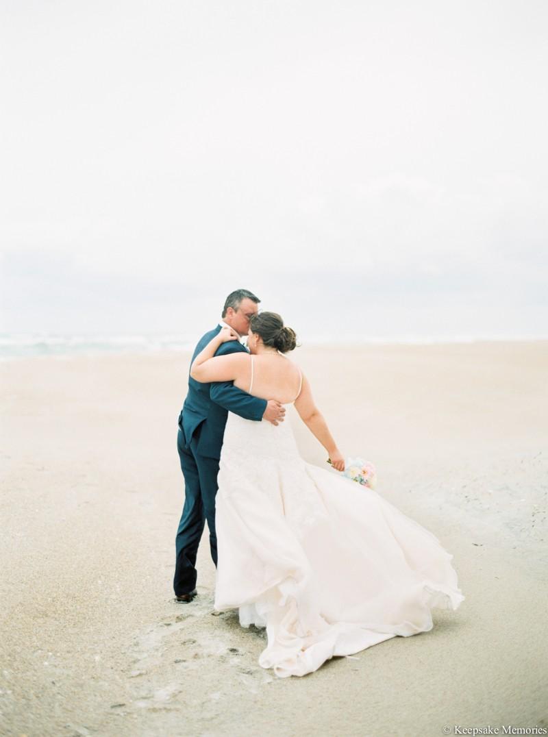 atlantic-beach-celebration-cottage-wedding-photographers-18.jpg