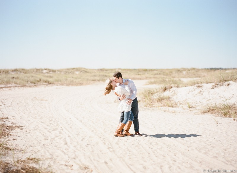 wrightsville-beach-north-carolina-engagement-photos-10.jpg