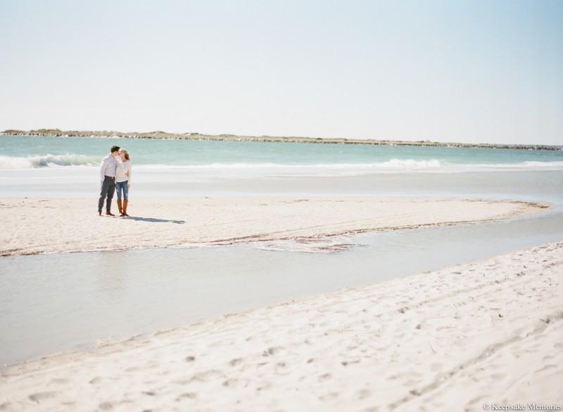 wrightsville-beach-north-carolina-engagement-photos-4.jpg