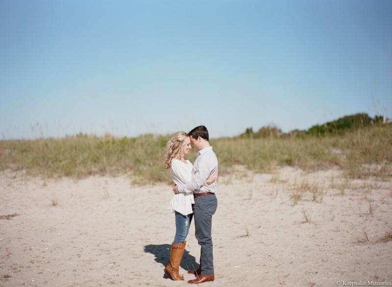 wrightsville-beach-north-carolina-engagement-photos-9.jpg