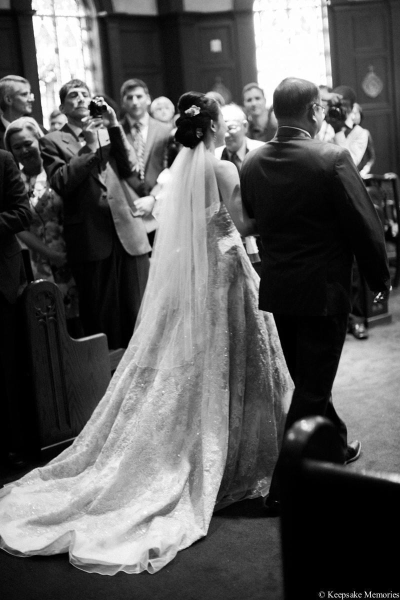 holy-spirit-catholic-church-atlanta-ga-wedding-photos-14-min.jpg
