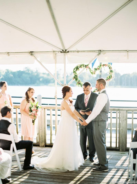 riverwalk-landing-wilmington-nc-wedding-photos-11-min.jpg