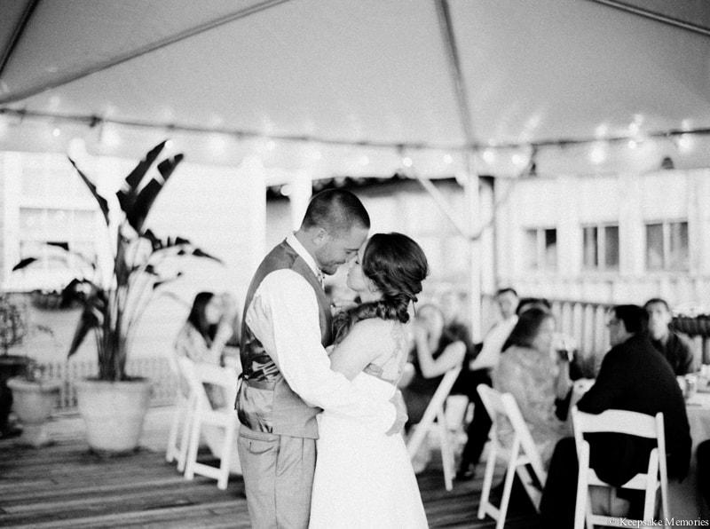 riverwalk-landing-wilmington-nc-wedding-photos-29-min.jpg