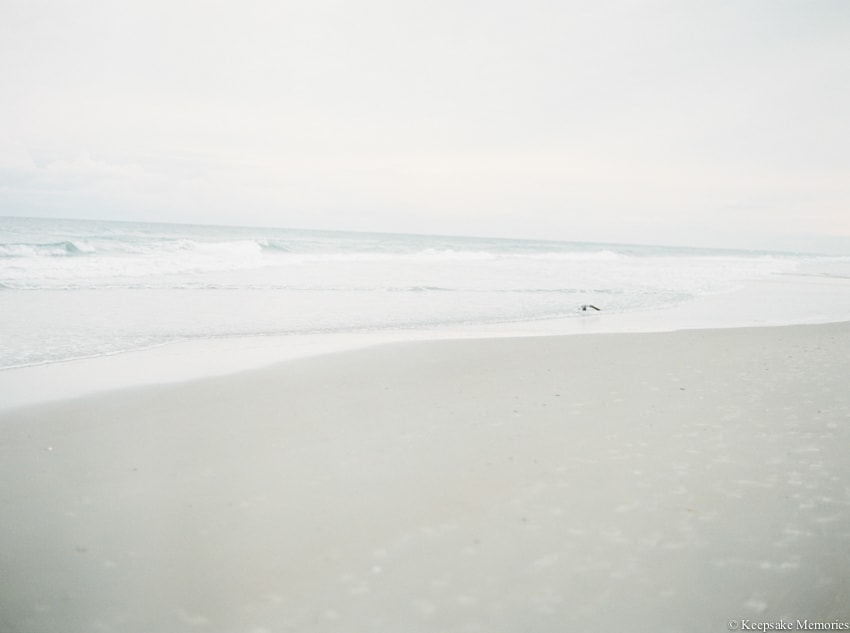 bogue-inlet-pier-emerald-isle-engagement-photos-5-min.jpg