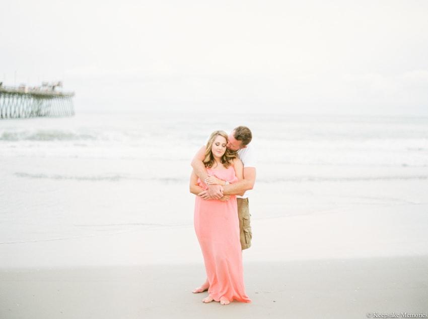 bogue-inlet-pier-emerald-isle-engagement-photos-6-min.jpg