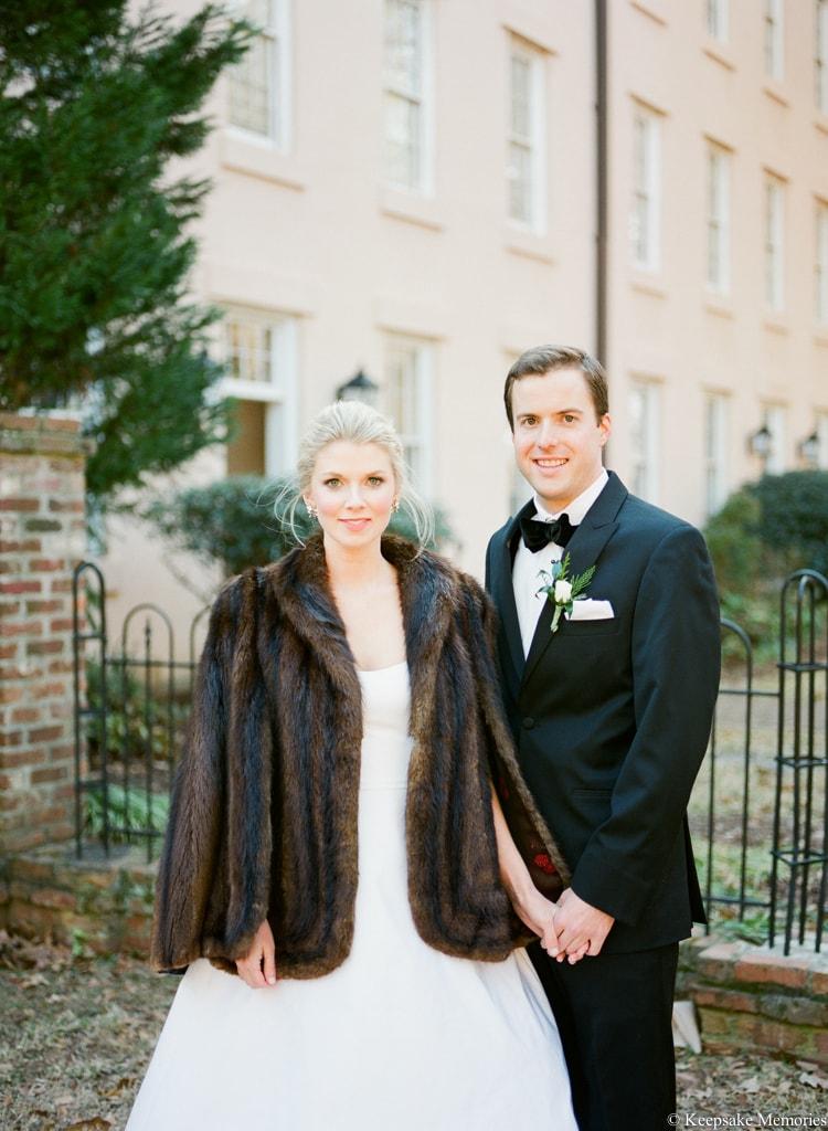 brides-wearing-fur-coats-at-winter-weddings-4-min.jpg