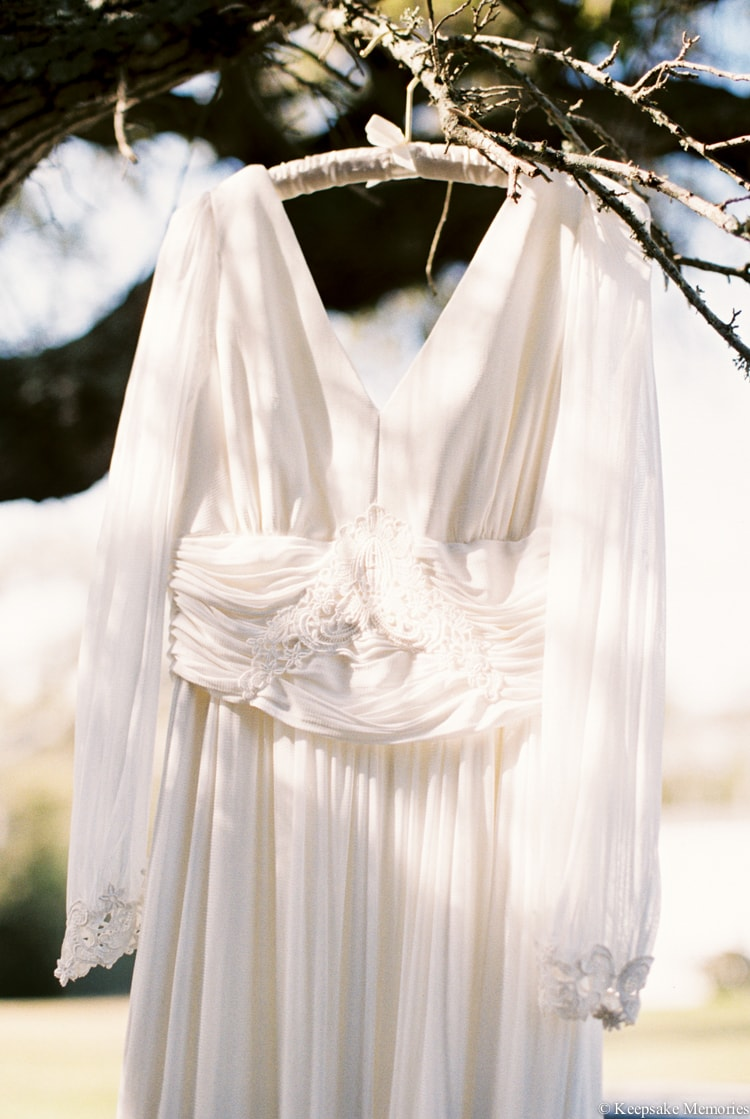 wearing-your-mothers-wedding-dress-vintage.jpg