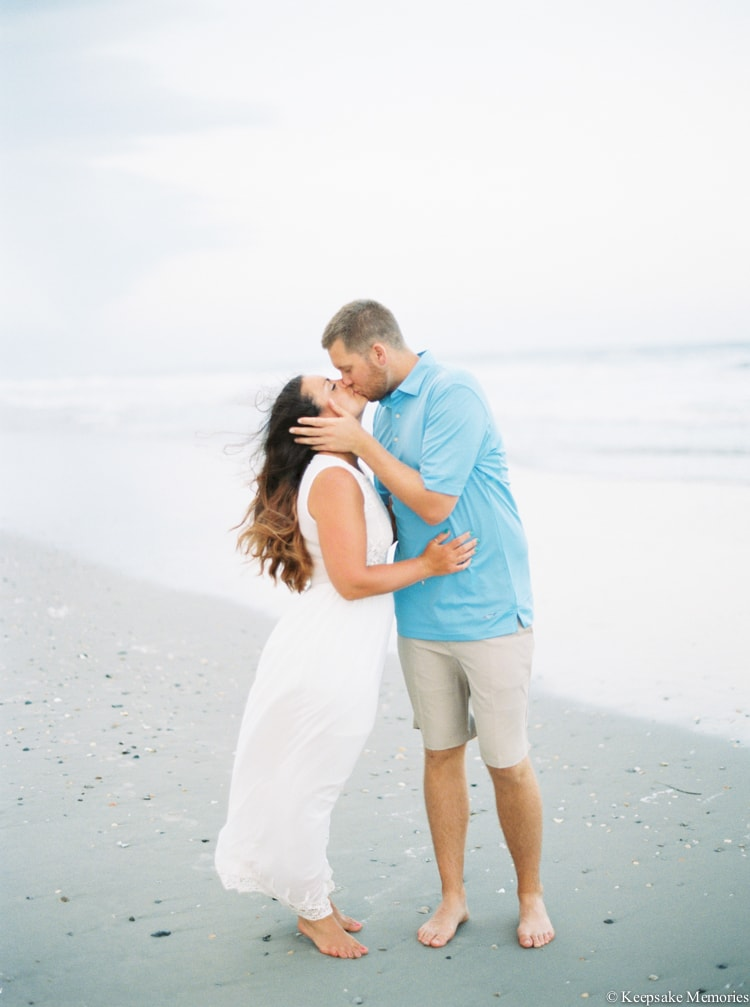 emerald-isle-beach-nc-engagement-photography-min.jpg