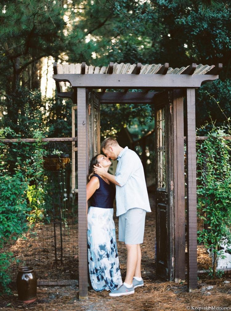 the-watson-house-emerald-isle-engagement-photographers-10-min.jpg