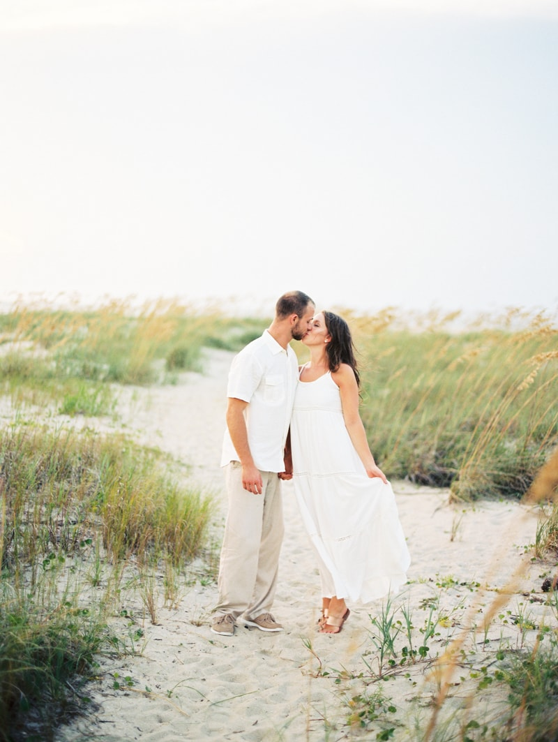 bald-head-island-nc-engagement-photographers-2-min.jpg