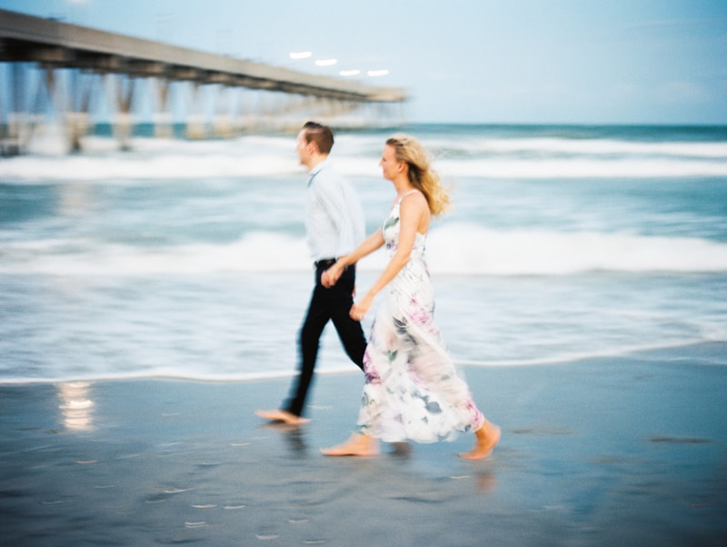 wrighstville-beach-nc-engagement-photography-15-min.jpg