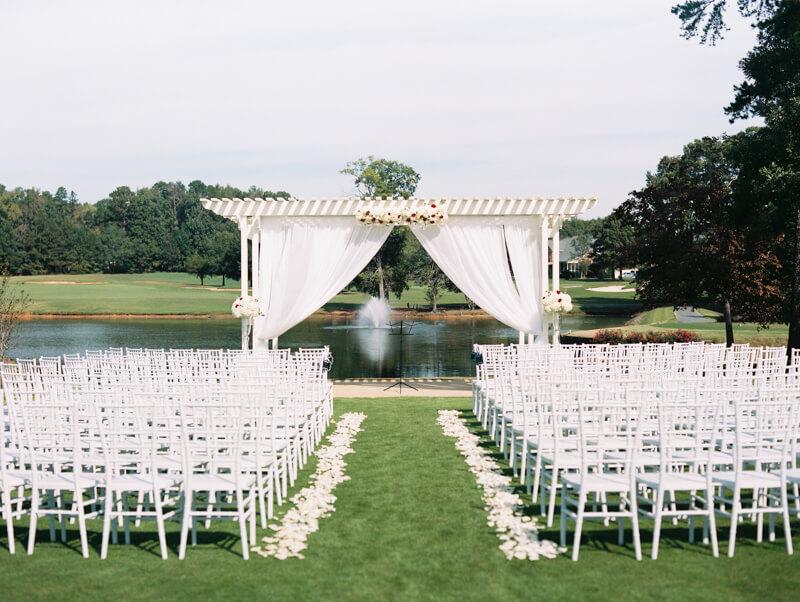 the-view-at-emerald-lake-nc-wedding-photos-25.jpg