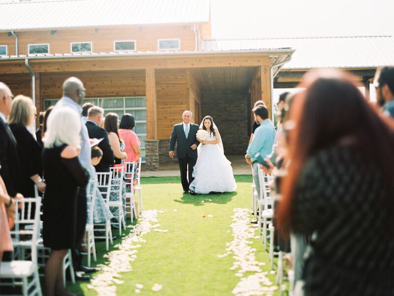 the-view-at-emerald-lake-nc-wedding-photos-11.jpg