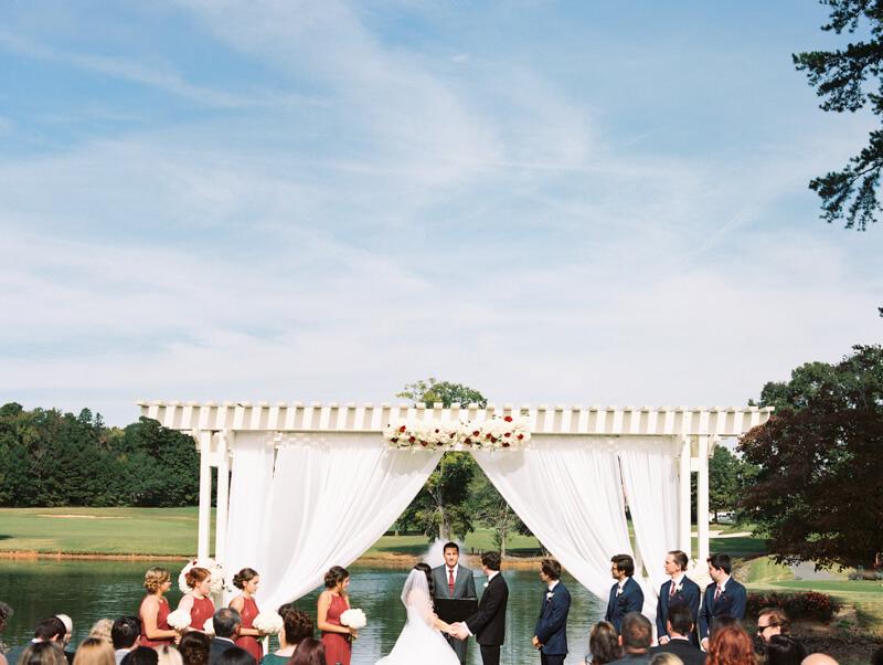 the-view-at-emerald-lake-nc-wedding-photos-5.jpg