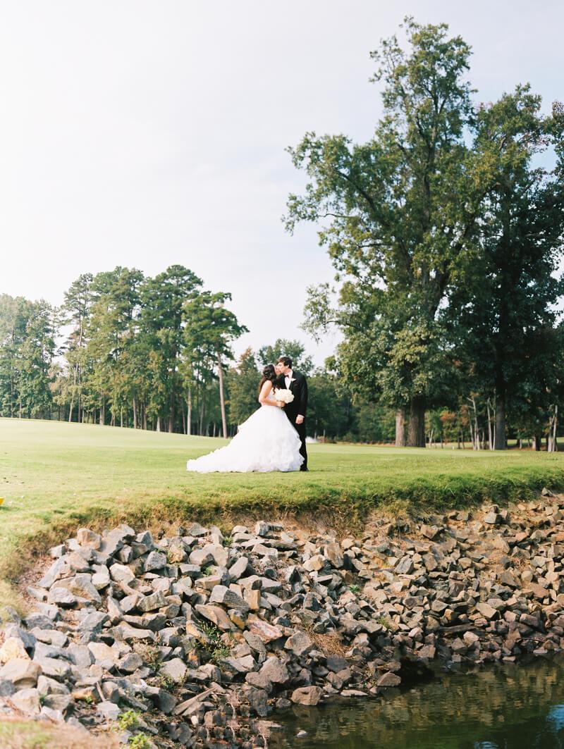 the-view-at-emerald-lake-nc-wedding-photos-29.jpg