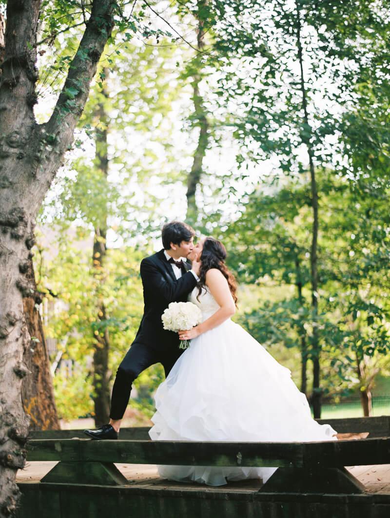 the-view-at-emerald-lake-nc-wedding-photos-16.jpg