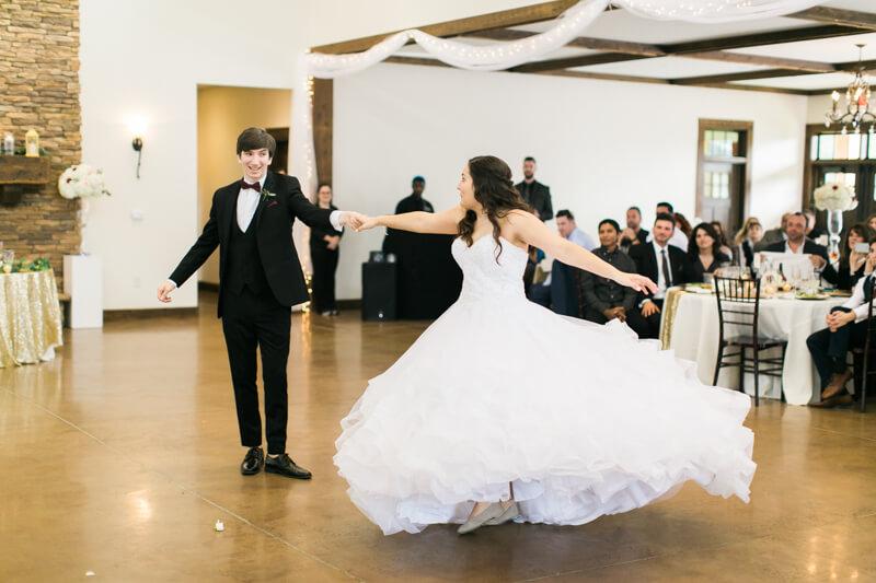 the-view-at-emerald-lake-nc-wedding-photos-4.jpg