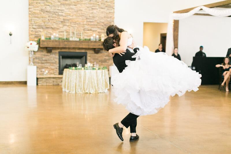 the-view-at-emerald-lake-nc-wedding-photos-3.jpg