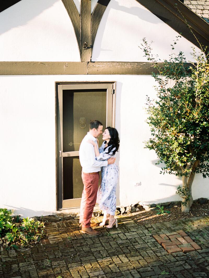 reynolda-village-engagement-photos-winston-salem-4.jpg