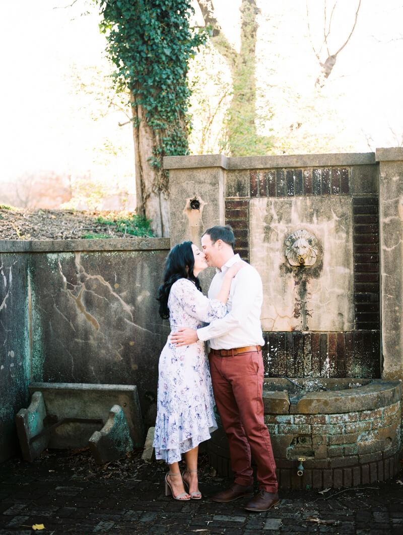 reynolda-village-engagement-photos-winston-salem-15.jpg