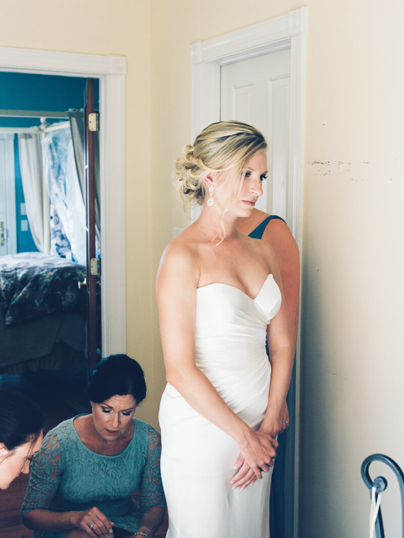 emerald-isle-nc-wedding-pics-watson-house-20.jpg