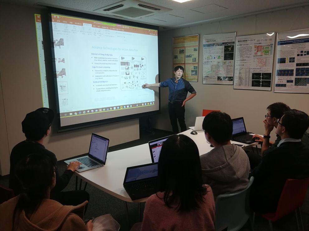 Dr. Minsung Hong (WNRI) presenting research at Intelligent Perception and Urban Computing Laboratory, Japan.