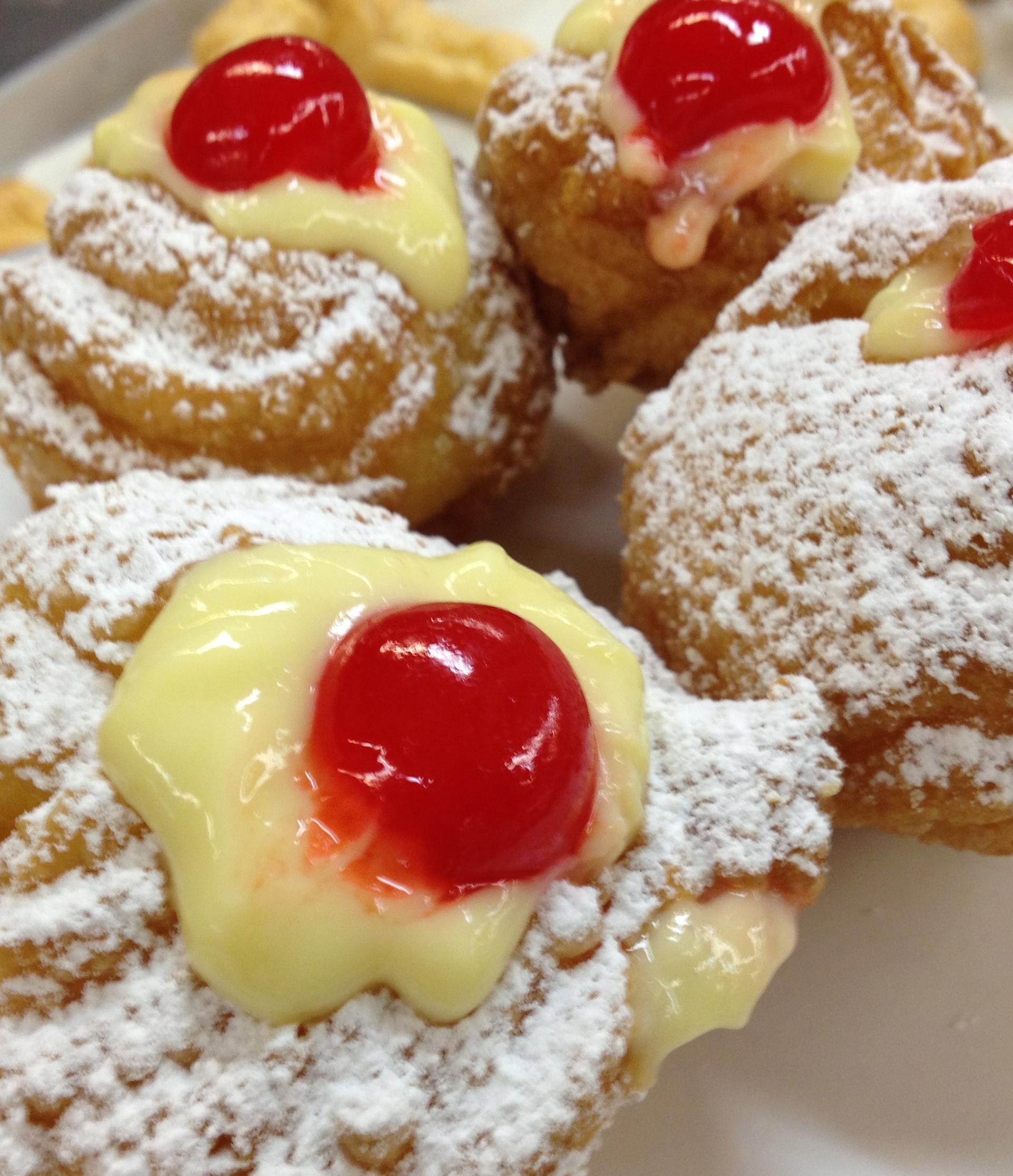 zeppolle with pastry cream