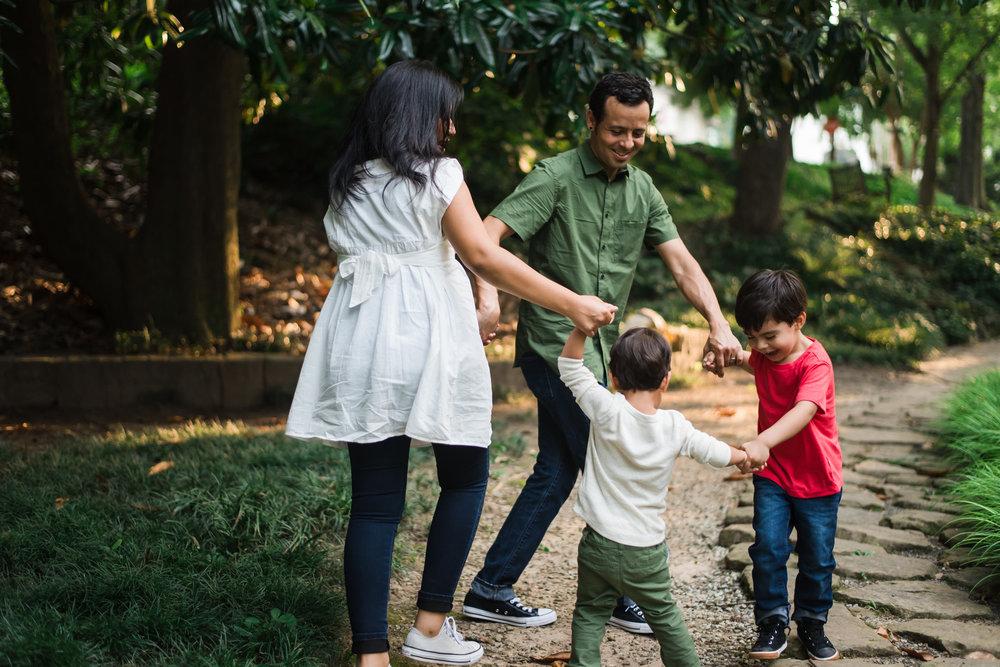 outdoor-family-session-winn-park-atlanta-georgia-3