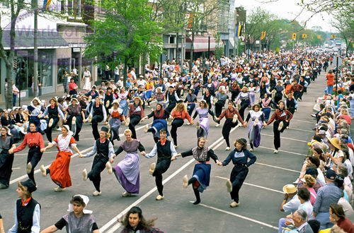 Holland, MI Dutch Dancing during the Tulip Time Festival