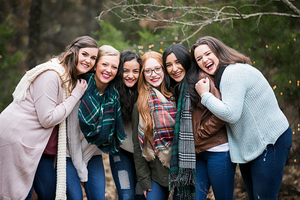 Amanda Lynn Photography's elite senior model team, huddled together for a photo in Oklahoma City.