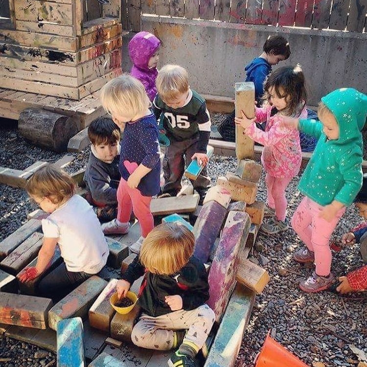 Philosophy - A Tiny Lab is a play-based, emergent learning child care centre. Children spend their days here making choices, exploring, discovering and creating. Through play, children learn about themselves and the world around them.