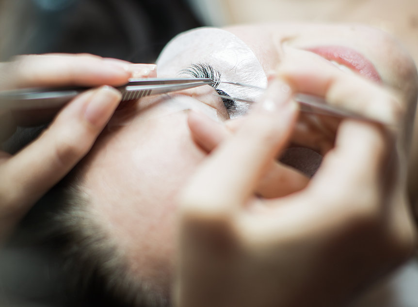 The Lashey Lady Studio in Sonoma County offers advanced education in the art of eyelash extensions.