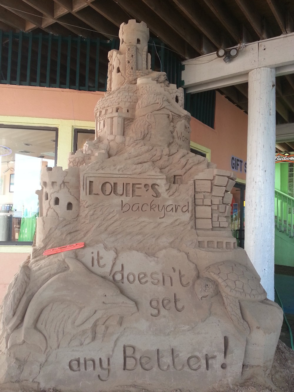 louies_sand_castle.jpg