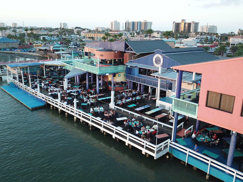 - Louie's Backyard - Bayside Dining & Entertainment