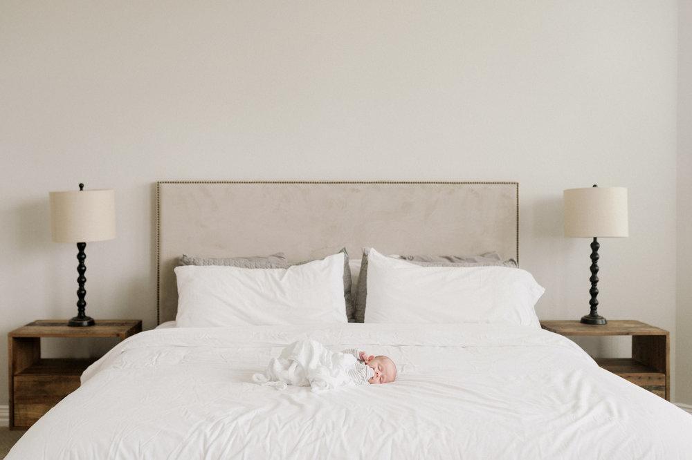 in home newborn photographer Austin texas