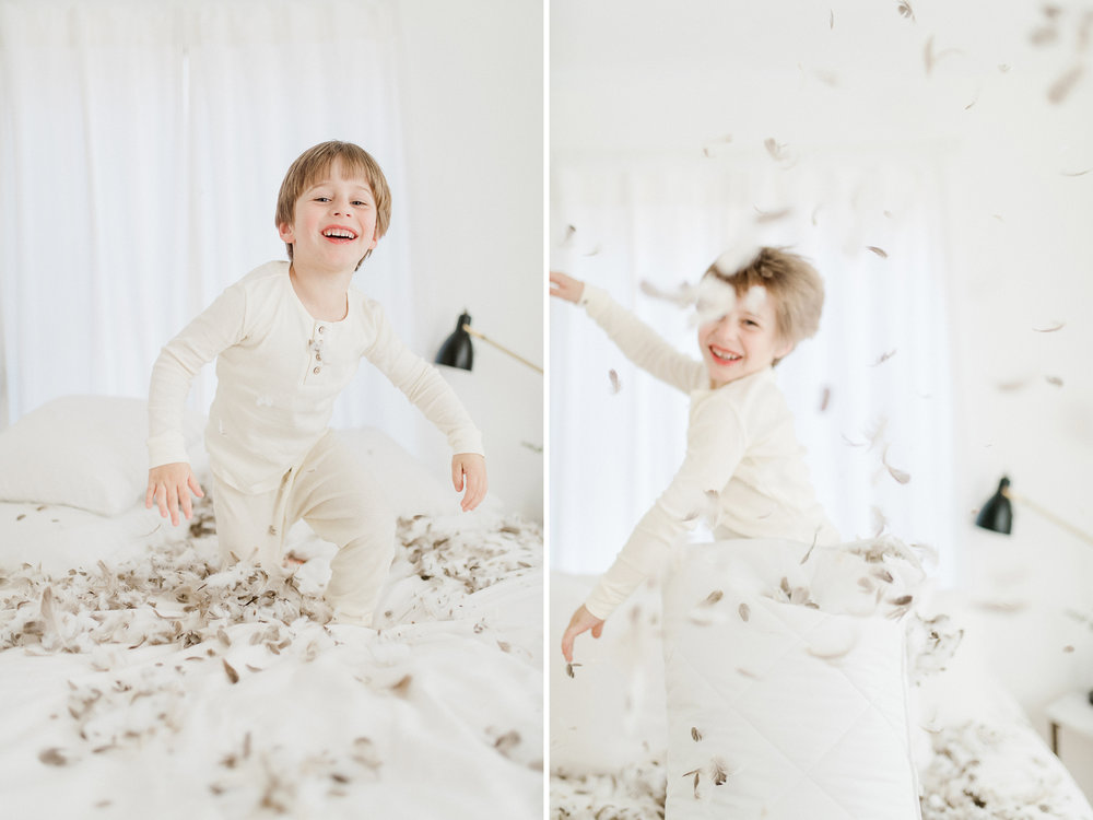5yearoldphotoshootpillowfight3.jpg