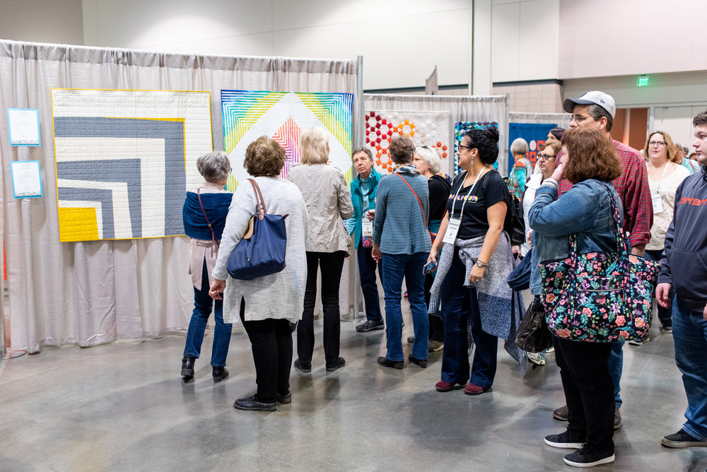 QuiltCon-Thursday_09 (1).jpg