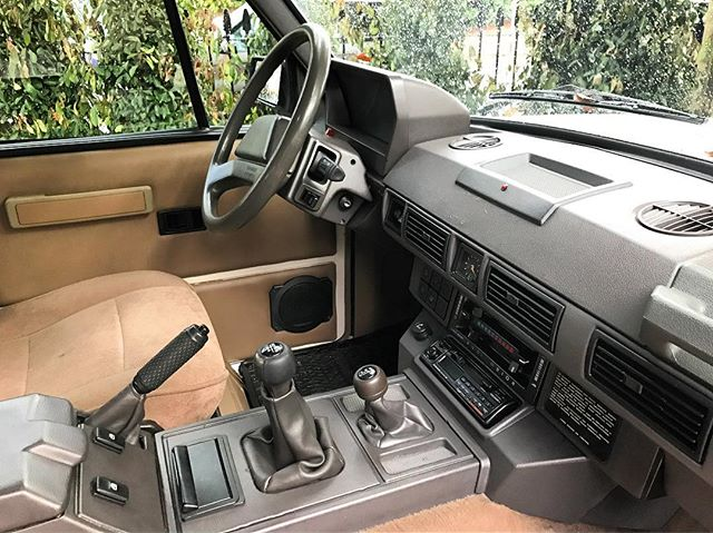 The infamous 1990's Range Rover interior. INTERIOR PARTS FOR SALE. Steering wheels, alloy wheels, centre console, gear knobs, carpets and head liners. DM US A MESSAGE.