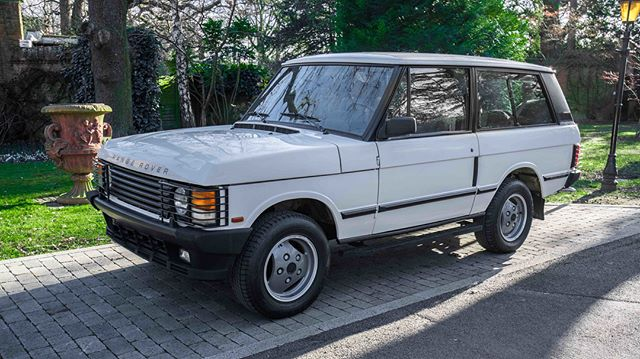 RANGE ROVER CLASSIC #FORSALE - lovely fully restored 1990 #LandRover #RangeRover 2 door in Chamonix White. The 2.5l VM Diesel Engine has been fully rebuilt and covered hardly any miles at all. £22,000 - OFFERS Considered. Enquire for more information.