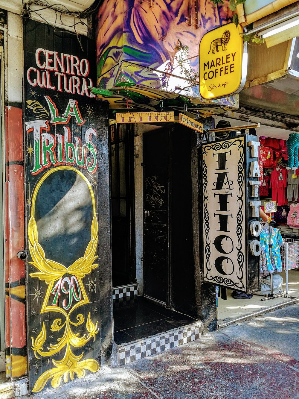 Visit El café vegan de La Tribus for some delicious vegan backed goods including empanadas and pastries in Santiago de Chile. This tattoo parlour, grow shop, and vegan cafe has it all!