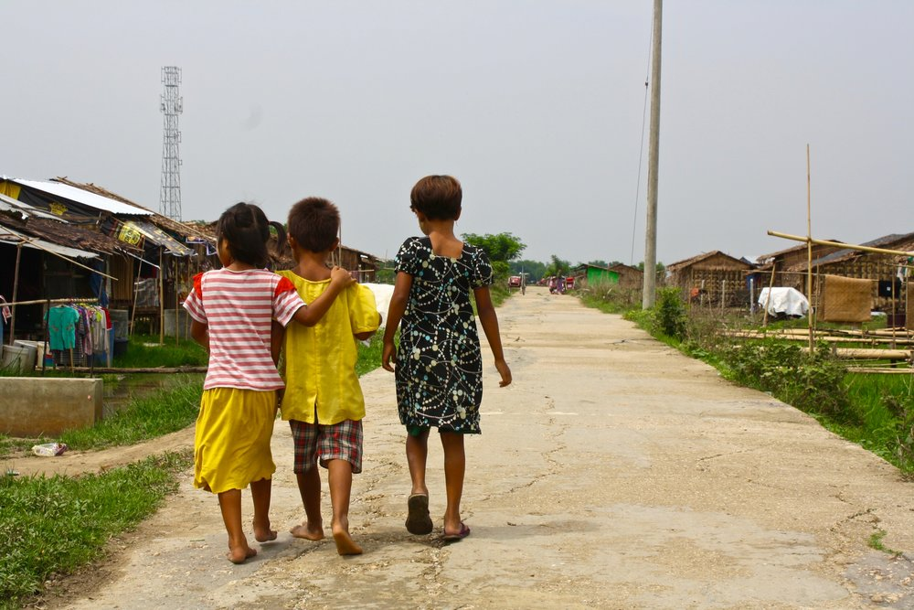 Who runs the world? GIRLS. Travel photos from Myanmar.