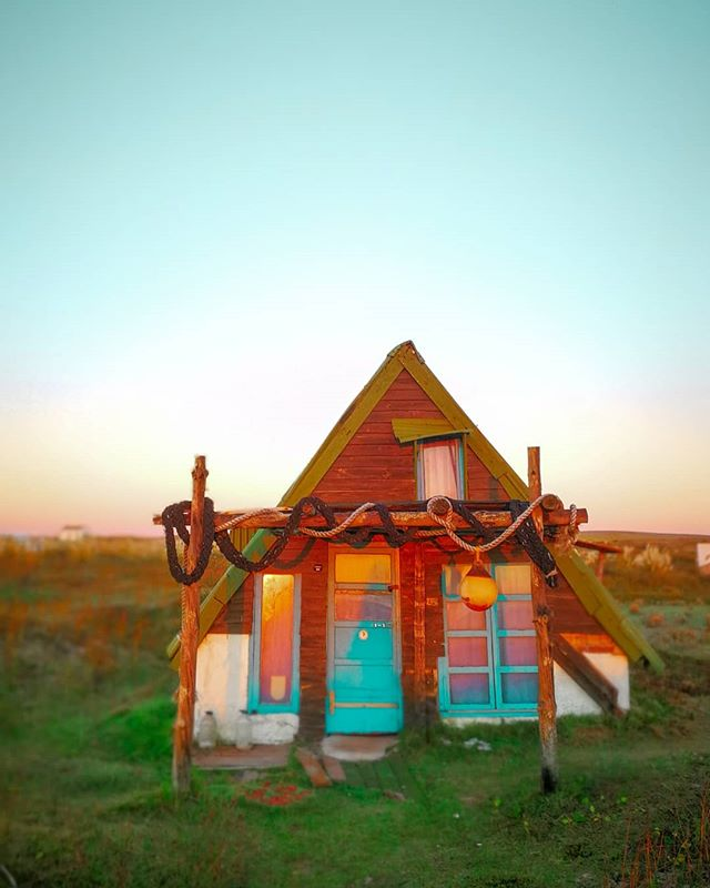 Found my retirement home 🏠🏖️ beach side in northern #Uruguay . . . . . . . . . . . . #cabopolonio #uruguay🇺🇾 #uruguaynatural #travelwithme #cabopoloniouruguay #southamericatrip #tinyhouse #dreamhome #nature_good #ecotourism #ecotravel #sustainableliving #travelphoto #adventuretime #getaway #travelstoke #exploreeverything #traveldeeper #discoverearth #exploremore #igersuruguay #doyoutravel #travelworld #travelwriter #adventureawaits #welltraveled #passportready #visituruguay