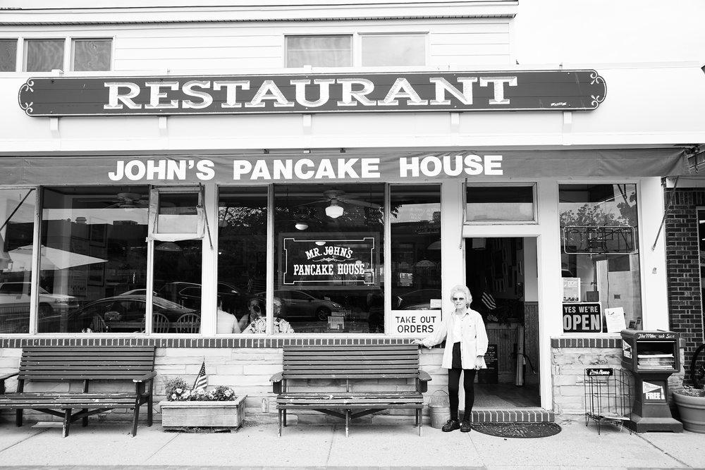 John's_PancakeHouse_Montauk.jpg
