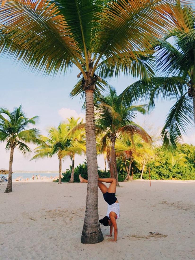 handstand_pr.jpg