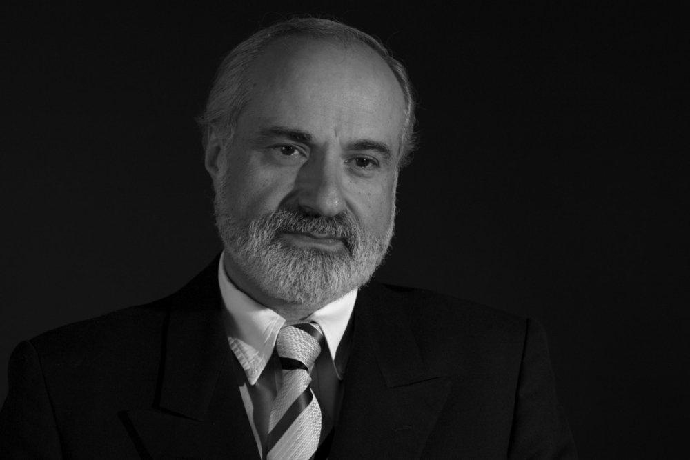 Dr. Julian Ungar.-Sargon